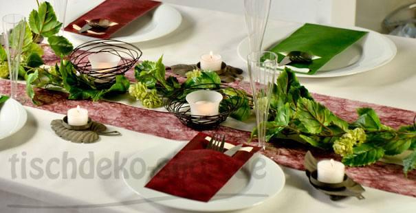 Pin Tischdeko Bordeaux Rot Tischdeko Für Hochzeiten In Bordeaux on ...