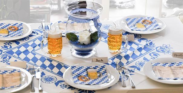Hochzeitsdeko Tischdeko Bayerisch Bau Weiss Pictures to ...
