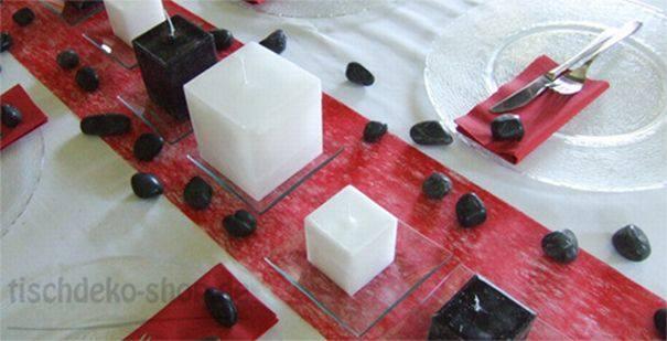 Tischdekoration zum Geburtstag in Rot, Weiß und Schwarz