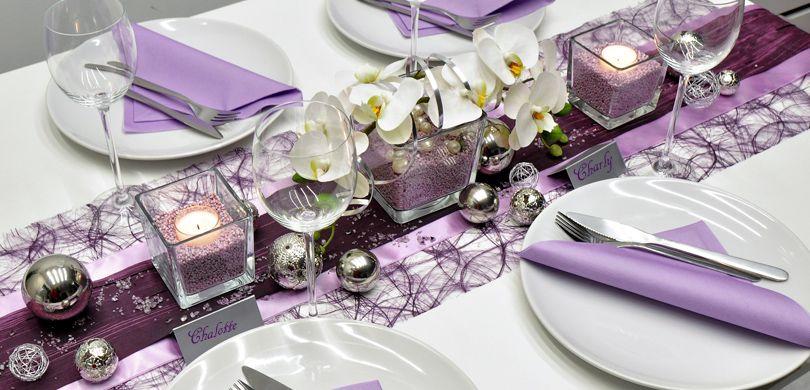 Tischdekoration In Aubergine Flieder Mit Orchideen