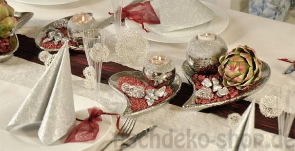 Tischdekoration zur silberhochzeit in silber und bordeaux for Tischdeko silberhochzeit