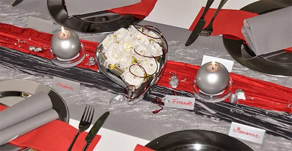 Tischdekoration In Rot Grau Herzen Kaufen Tischdeko Shop