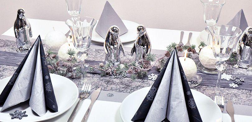 Tischdekoration Pinguine Mit Zederngrilande Tischdeko Shop