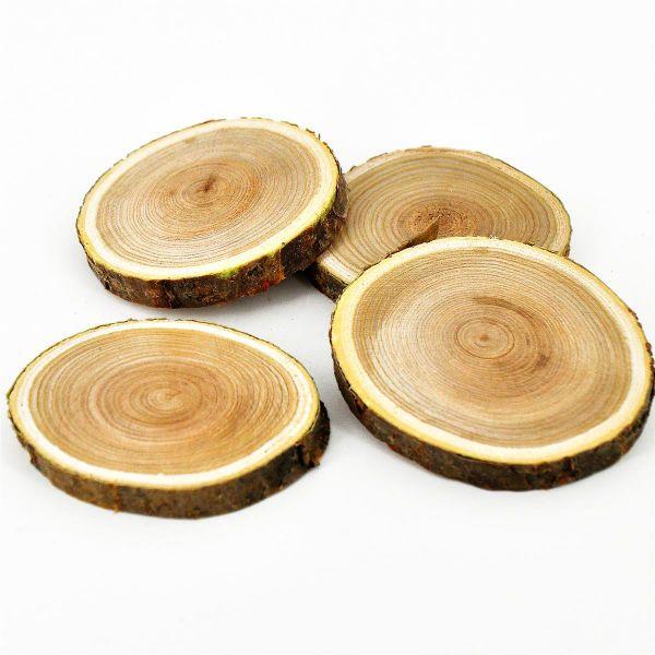 Holzscheiben 4 Stück Natur D 70-100mm H1cm bei Tischdeko-Shop.de