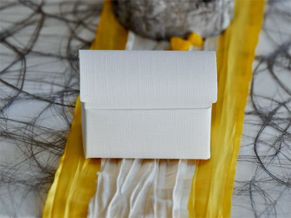 Gastgeschenk Truhe 10er Set Weiß/Creme Leinenprägung bei Tischdeko-Shop.de
