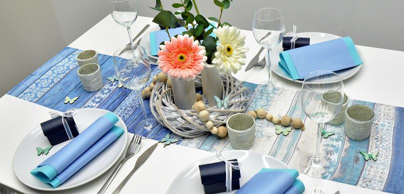 tischdekoration im vintage look in blau t rkis tischdeko. Black Bedroom Furniture Sets. Home Design Ideas