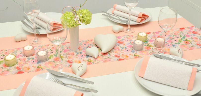 Tischdekoration Blutenzauber Zur Hochzeit In Trendigem Rosa Bei
