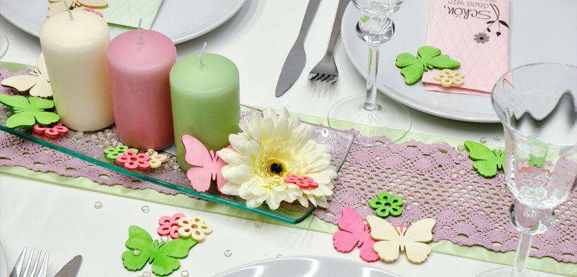 Tischdekoration In Rosa Kombiniert Mit Creme