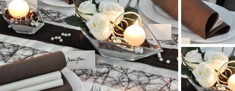 Tischdekoration in Braun und Creme