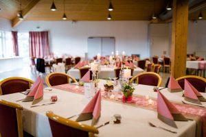 Hochzeitsdeko-in-Greige
