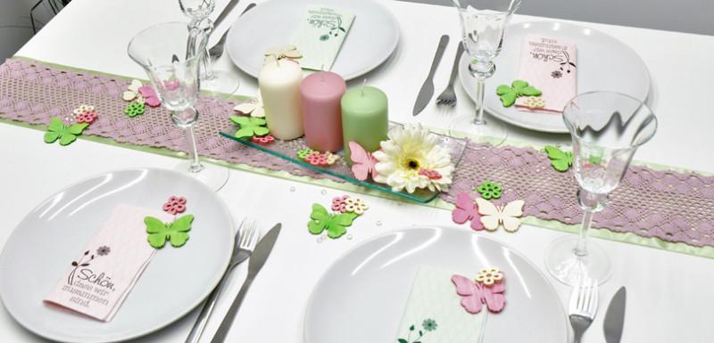 Tischdekoration in Rosa und Grün