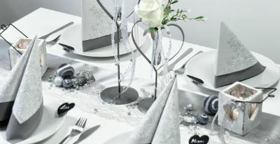 Tischdekoration-Hochzeit-Vintage-Grau