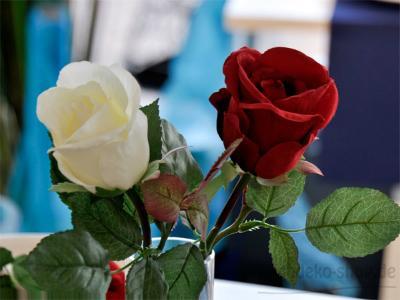 Täuschend echte Rose 30cm