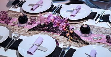 Tischdekoration Schwarz Flieder Glitter