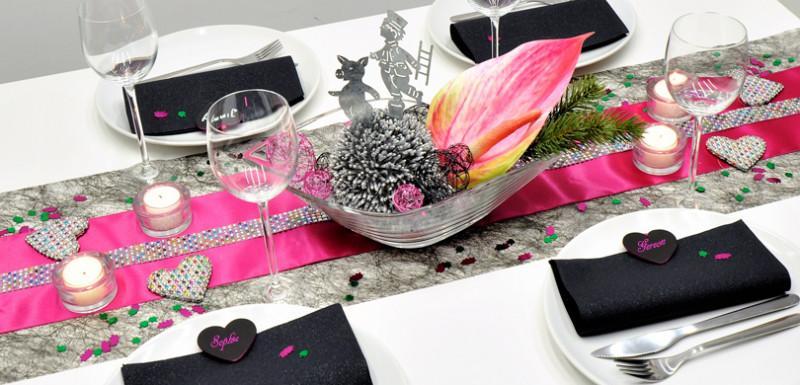 Tischdekoration in Schwarz Pink