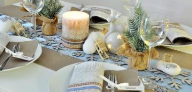 Weihnachtliche Tischdekoration X-Mas Fabric