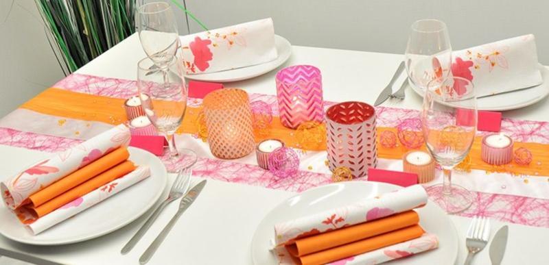 Tischdekoration Sunbrella in Orange und Fuchsia zum Geburtstag