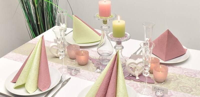 Festliche Tischdeko zur Hochzeit in Pastell