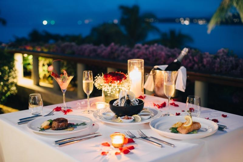 Romantisches Candlelight-Dinner zum Valentinstag
