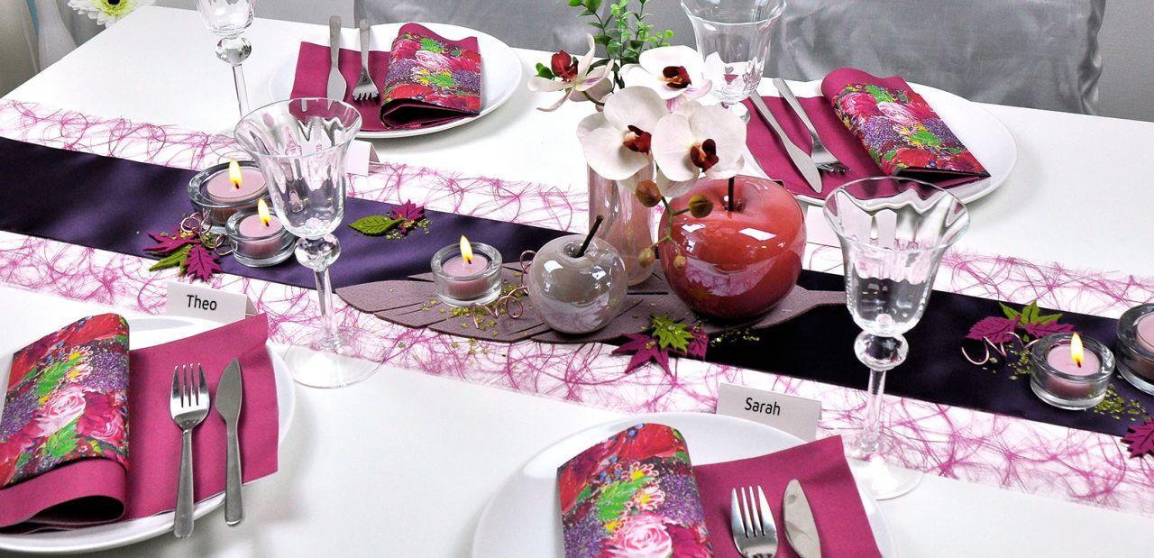 Tischdekoration in Erika mit Filzblättern für den Herbst