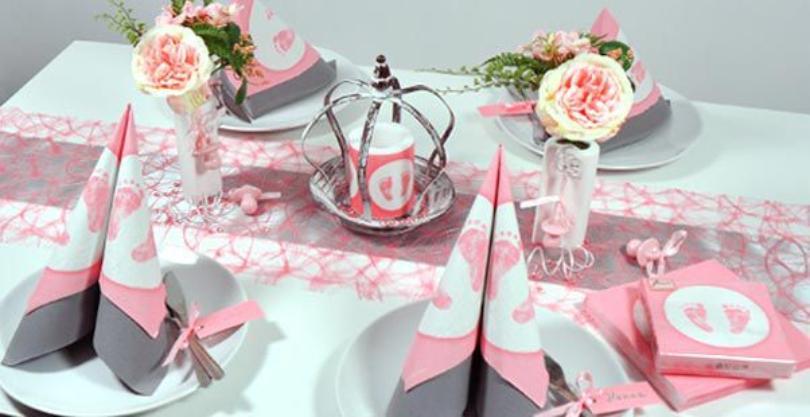 Tischdekoration in Rosa mit Vintage-Krönchen zur Taufe - Taufdeko für den festlichen Tisch