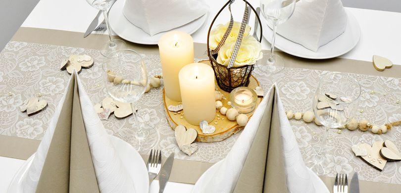 Vintage Look in Greige mit weißer Spitze für Ihre Tischdekoration - Tischdeko im Landhausstil