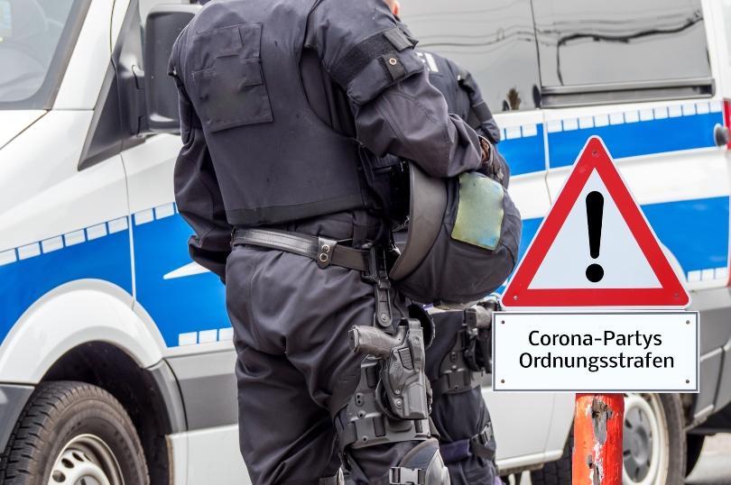 Poliziste kontrollieren: Corona-Partys Ordnungsstrafen - Coronabeschränkungen sind inzwischen gelockert