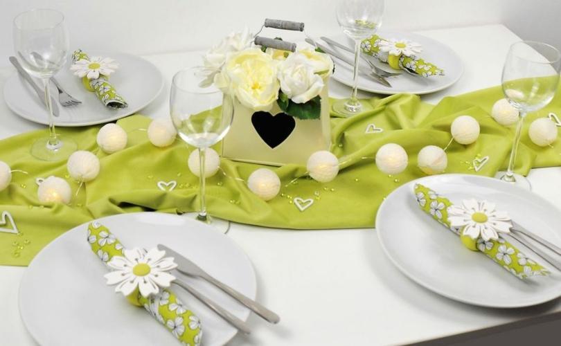 Tischdeko grüne Samtwiese