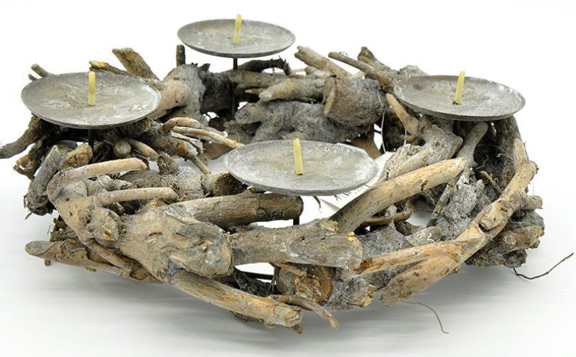Adventskranz Nova aus Wurzelholzstücken 30cm antik rustikal