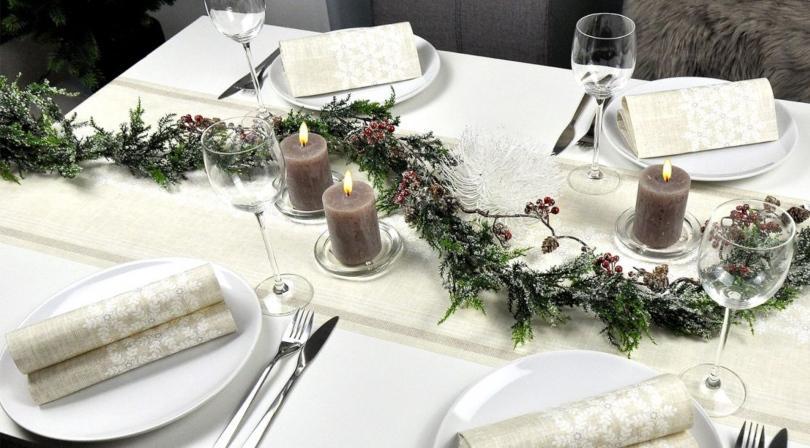 Winterliche Tischdekoration Linen Snow - Tischdeko mit Wald-Ambiente