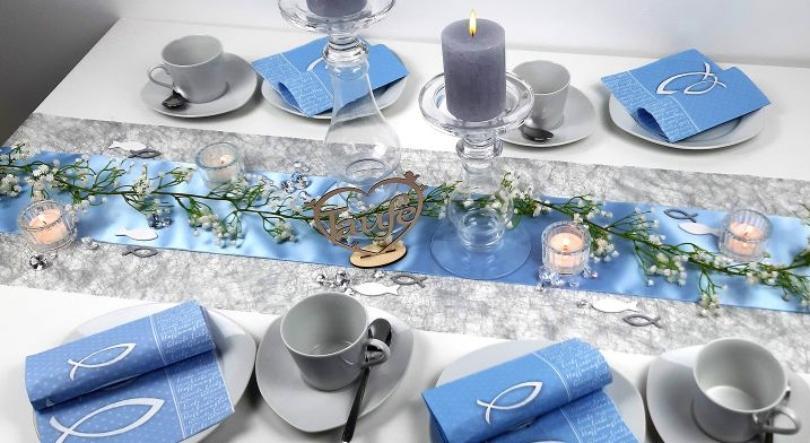 Tischdekoration in Blau mit Silber zur Taufe - Kerzenarrangement