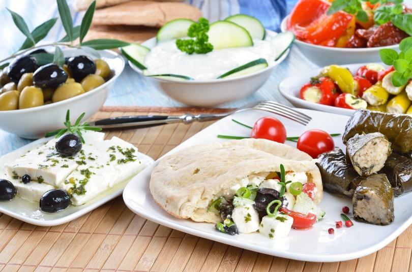 Griechische Salate, Feta, Pitabrot