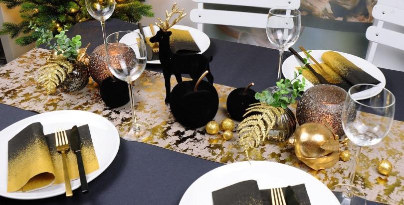 Elegante Tischdeko in Schwarz und Gold