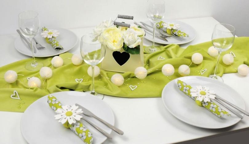 Tischdekoration Grüne Samtwiese