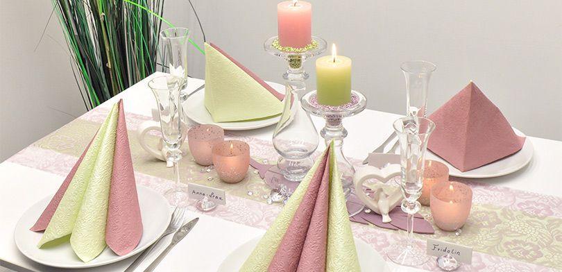 Vintage-Tischdeko Romanze in Pastell zur Hochzeit oder Papierhochzeit